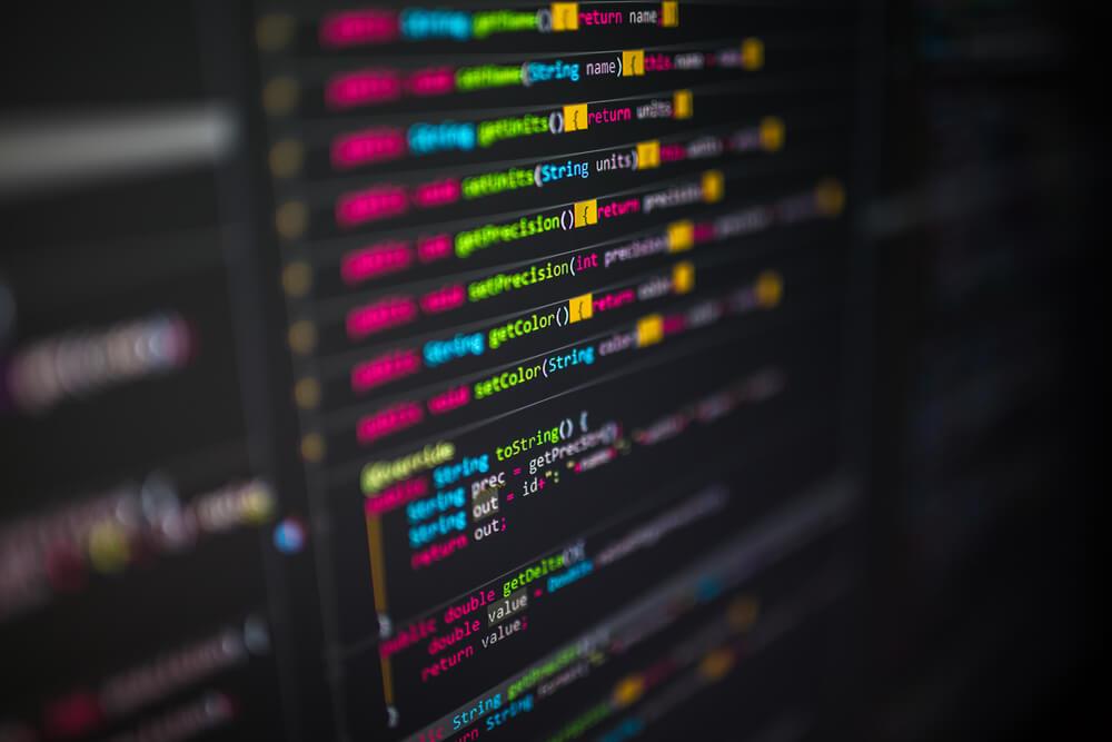 Revisão de código: saiba como fazer e a importância de revisar